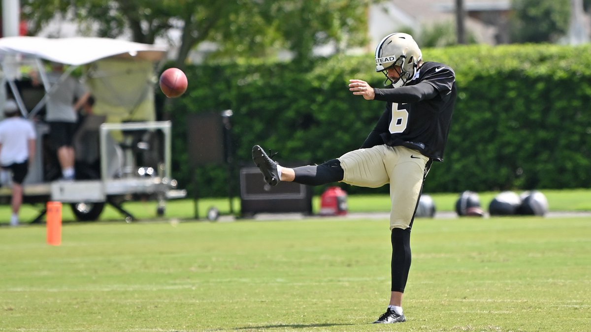 New Orleans Saints punter Thomas Morstead