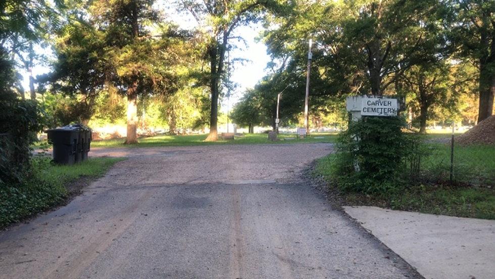 Caver Cemetery entrance off Linwood Avenue on Kennie Road
