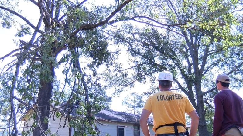 The Shreveport Volunteer Network traveled to Hall Summit, La Saturday; the area sustained...