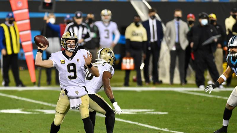 Brees throws 3 TD passes at Carolina in a Saints victory. (Source: Michael Nance)