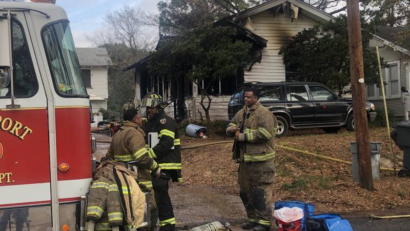 Crews remain on scene of a fire in the Highland neighborhood in Shreveport.