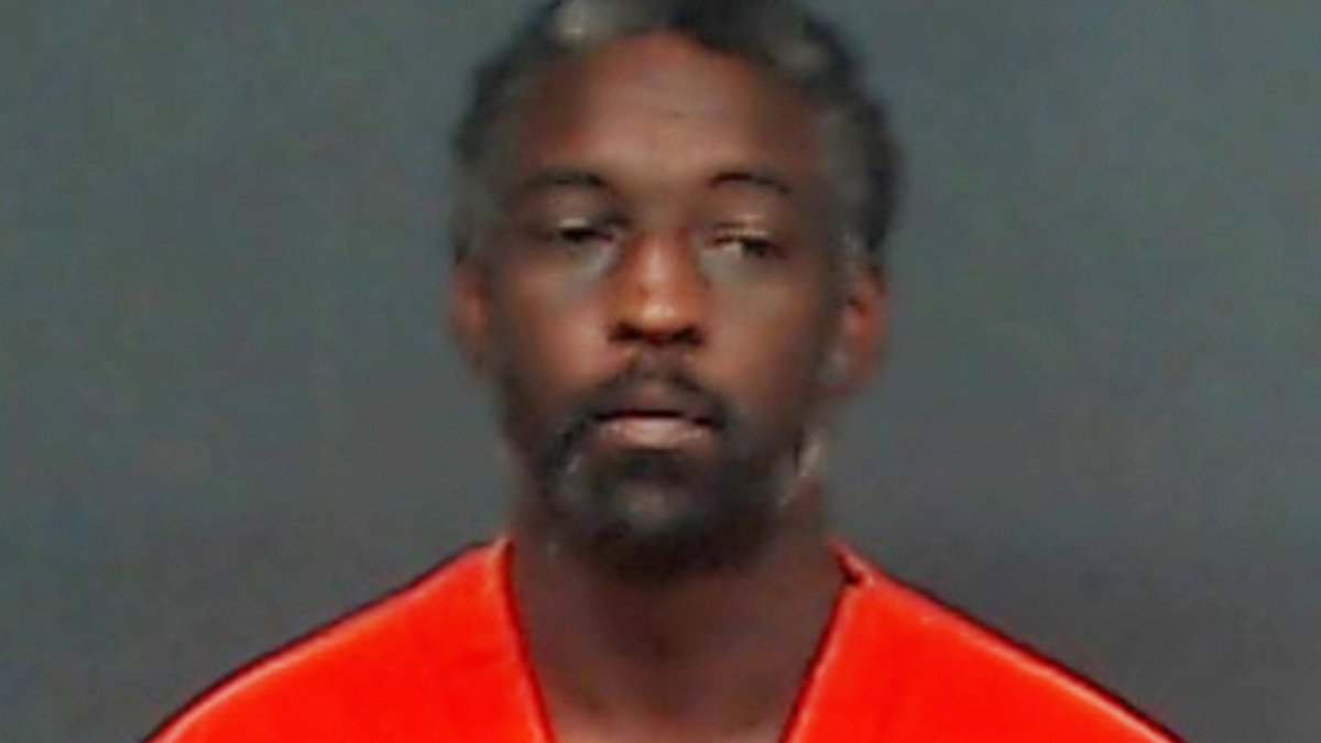 """WANTED: Texarkana, Texas, police say they have warrants to arrest Christopher David """"Chris""""..."""