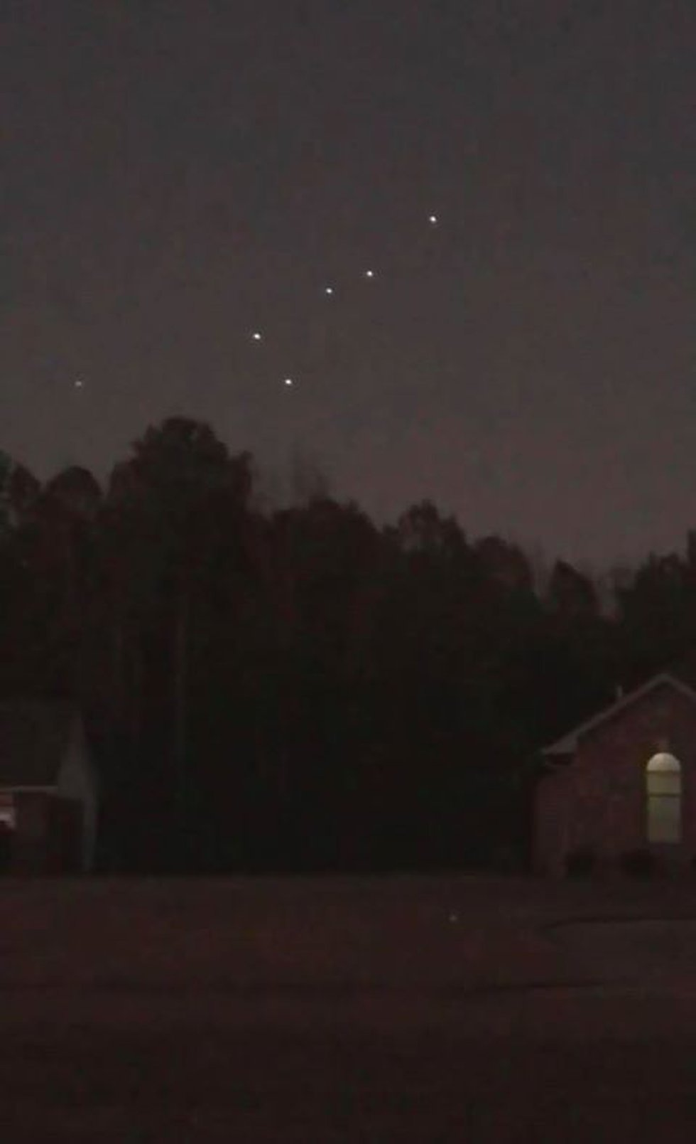 """""""Lots of people in my Facebook feed seeing these flashing lights over the ArkLaTex and..."""