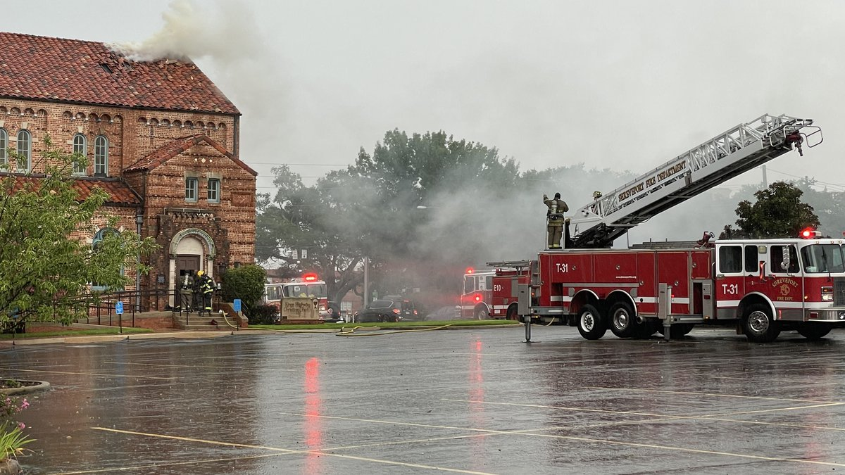 SFD responds to fire at King's Highway Christian Church.