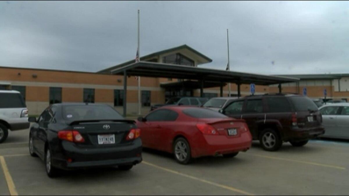 Mansfield High School (KSLA News 12 file photo)