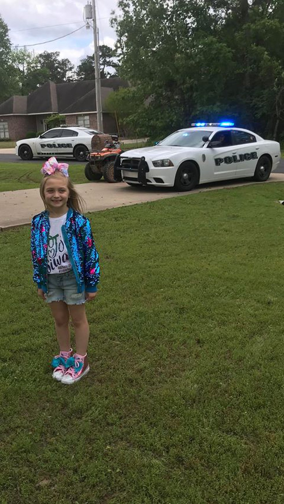 For Huntlee Steven's 7th birthday party, two Benton police officers came by and sang 'Happy...