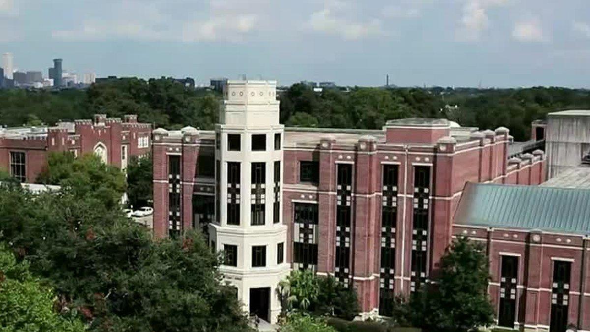 Loyola University to require vaccine