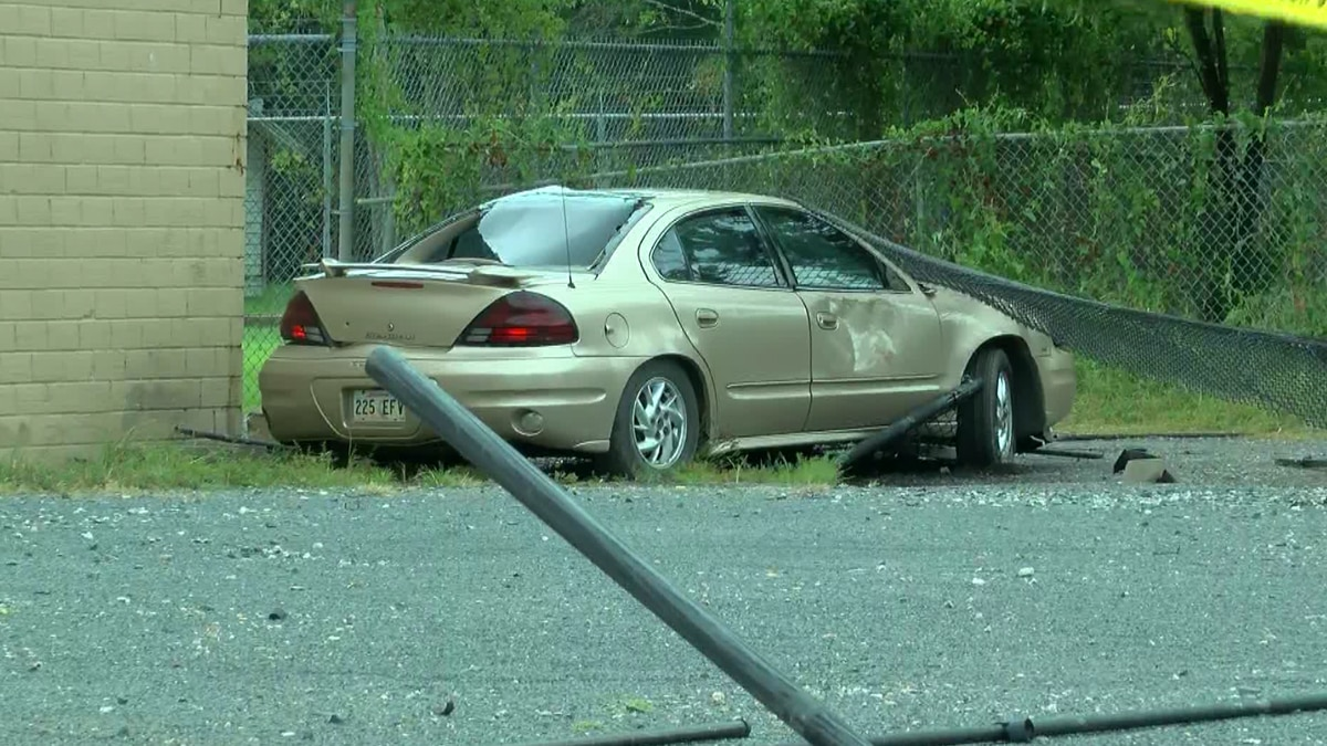 Shreveport police are investigating a shooting that wounded a man and caused a sedan to crash...