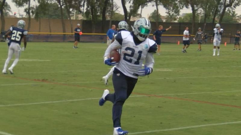 Cowboys running back Ezekiel Elliot runs a play at the 2018 training camp. (source: KTRE/KLTV)