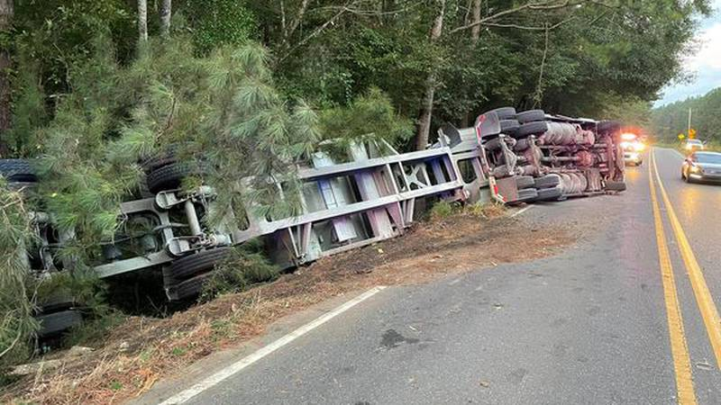Natchitoches Fire department respond to an over turned 18 wheeler on highway 174.
