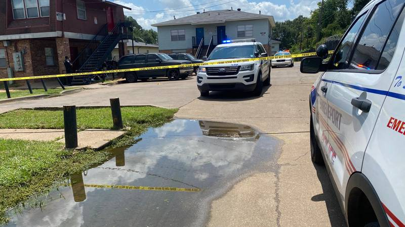 Shreveport Police respond to a shooting that left one victim with life threatening injuries.