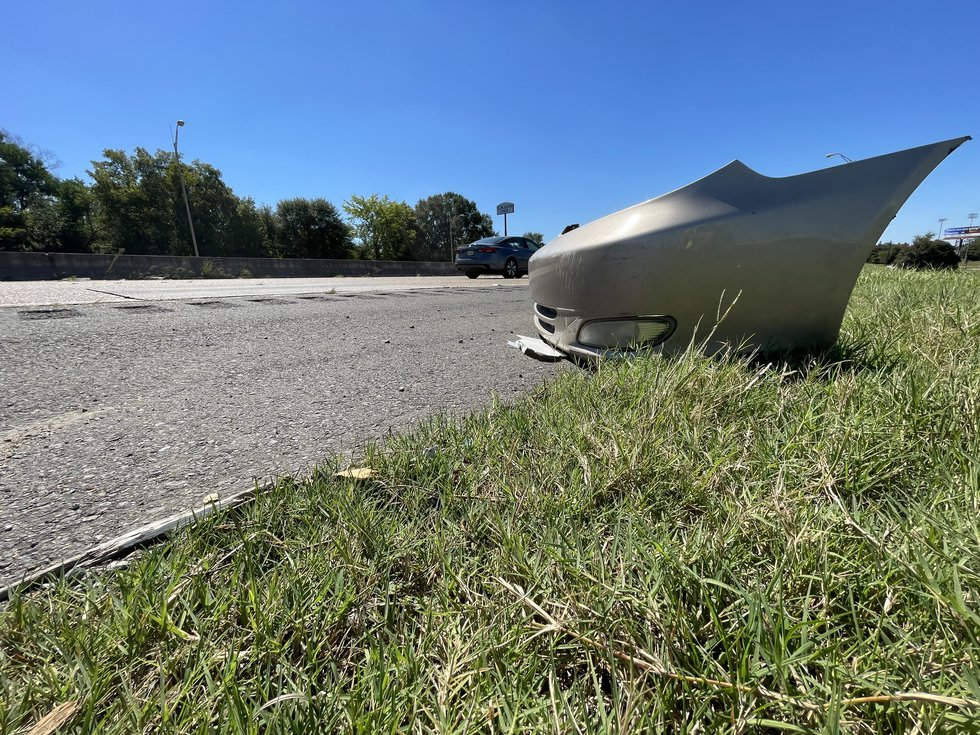 Litter can be seen all along I-20 in the Shreveport area.