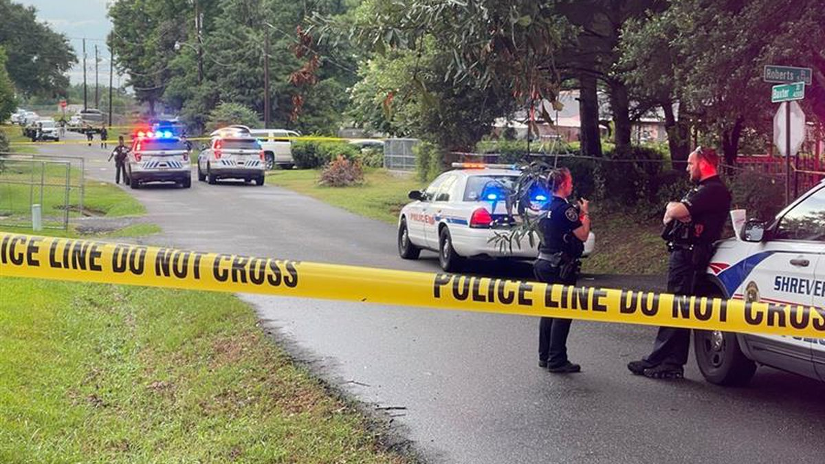 Image from the scene of a shooting on Baxter Street.