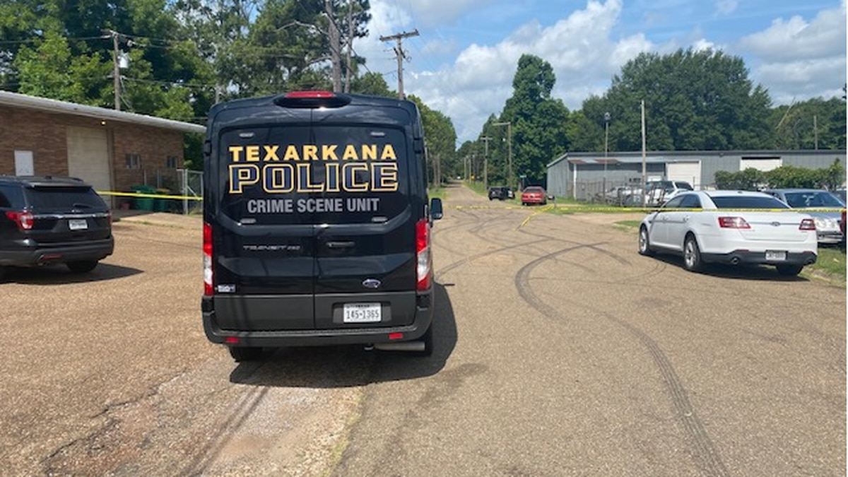 Texarkana Police are looking for possible suspect in shooting